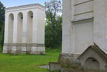 Дзвіниця костелу Успіння Діви Марії в Острозі