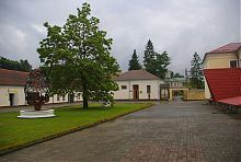 Зовнішній двір Острозької академії