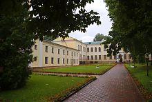 Центральний корпус університету в Острозі