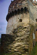 Руїни оборонної стіни Острозького замку