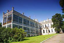 Веранда (східне крило) палацу в Шарівці