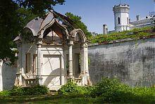 Альтанка-свердловина садиби в Шарівці
