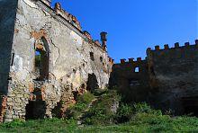 Западный фасад меджибожского дворца Чарторыйских