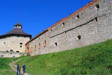 Внешняя оборонная стена Меджибодского замка