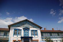 Фронтон ризалиту будинку К. Малевича в Пархомівці