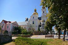 Купола центрального фасада винницкого Свято-Преображенского собора