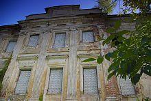 Ризалит южного фасада дворца в Старом Мерчике
