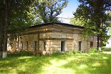 Восточный флигель (библиотека) усадьбы Шидловских в Старом Мерчике
