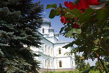 Южная ось трансепта Архангело-Михайловского храма в Краснокутске