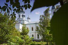 Северный фасад Свято-Михайловского храма в Краснокутске