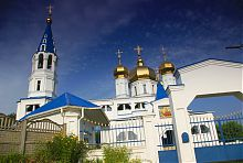 Успенский храмовій комплекс в Солоницевке