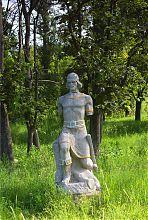 Скульптура в гиевском Старом Парке Люботина