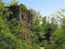 Руины въездной башни Хустского замка