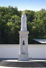 Статуя Богородиці Святогірської Свято-Успенської Лаври. Автор скульптури Микола Шматько