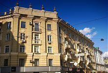 Будівля на місці колишньої контори Едельберга в Харкові по Московській 7