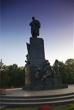 Памятник Тарасу Шевченко в харьковском Городском саду