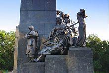 """Скульптурні композиції """"Катерина"""" і """"Гайдамаки"""" пам'ятника Шевченку в Харкові"""