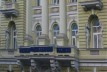 Колонный портик здания по Сумской 18/20 в Харькове