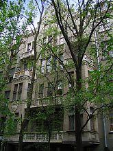 Здание бывшей женской гимназии сестер Покровских