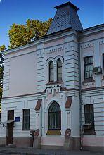 Ризалит центрального входа женской ремесленной школы в Харькове