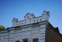 Завершение южного ризалита женской ремесленной школы в Харькове