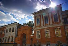 Південні ворота комплексу харківського університету