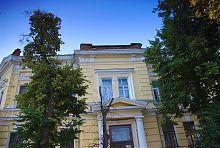 Ризаліт центрального входу харківської школи Алчевської