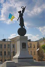 Памятник независимости Украины. Летящая Ника