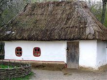 Старовинна мазанка київського Музею під відкритим небом Пирогово
