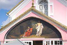 Фронтон притвора кафедрального собора Воскресения в Ковеле