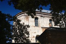 Апсида Троїцького костелу в Олиці