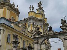 Парадные врата соборного комплекса Святого Юра во Львове