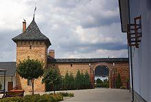 Південні врата зимненського Успенського монастиря