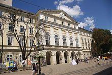 Юго-восточный ризалит ратуши во Львове