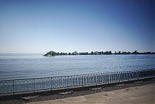 Північний край хвилерізу порту Черкаси