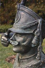 Скульптура поручика Ржевского в Павлограде