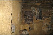 Житлове приміщення в одеських катакомбах