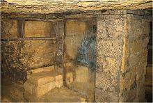 Житлова кімната в одеських підземеллях