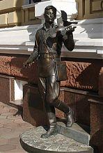 Пам'ятник одеським оперативникам післявоєнних років біля ГУ МВС