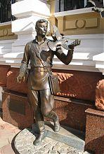 Памятник одесским правоохранителям послевоенного времени