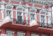 Атланти верхнього ярусу прибуткового будинку по Катерининській 2 в Одесі