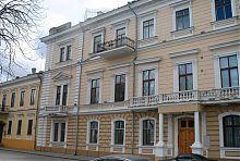 Центральний фасад палацу Потоцького в Одесі