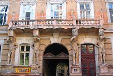 Украинские атланты доходного дома Шульца