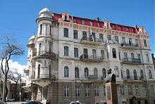 Восточный фасад одесского дома Ираклиди
