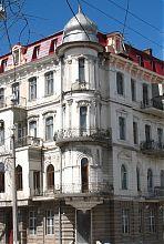 Угловой эркер доходного дома Ираклиди в Одессе