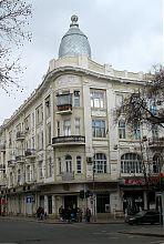 Ризаліт будівлі колишнього ресторану Робіна (перший поверх) в Одесі