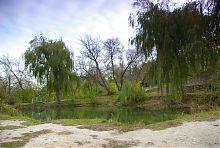 Цілюще озеро дванадцяти джерел в селі Терпіння