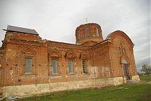 Южный фасад Свято-Михайловского храма в Тихоновке