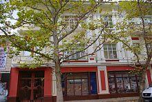 Южная часть центрального фасада дома Петра Черникова в Мелитополе