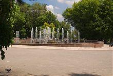 Городской Театральный сквер в Мариуполе